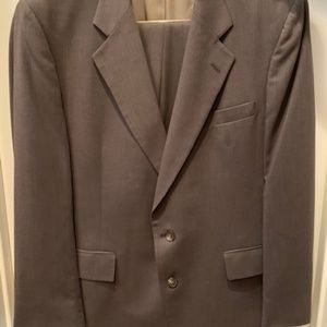 Jos. A. Bank Olive Suit 100% Wool Size 42R